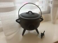 Witches Cast Iron Pentagram Cauldron with Lid , Brand New