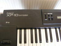 ROLAND XP10 MULTITIMBRAL SYNTHESISER
