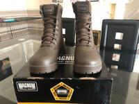 Magnum classic boots size 6