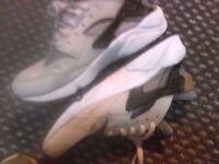 Nike Air Huarache Size 8