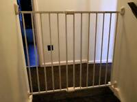 Baby gate - extendable