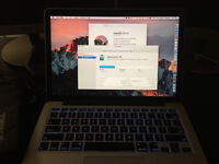 Macbook Pro 13-inch 2015 i5 2.7 GHz, 256GB SSD, 8GB RAM + Apple Care + Thule Sleeve