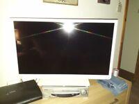 Toshiba 32 inch tv /dvd colour tv