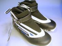 Salomon Escape 9 Pilot Snow Boots Size 7 New in Box (WH_0437)