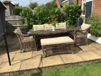 5/6 piece PATIO SET with cushions.