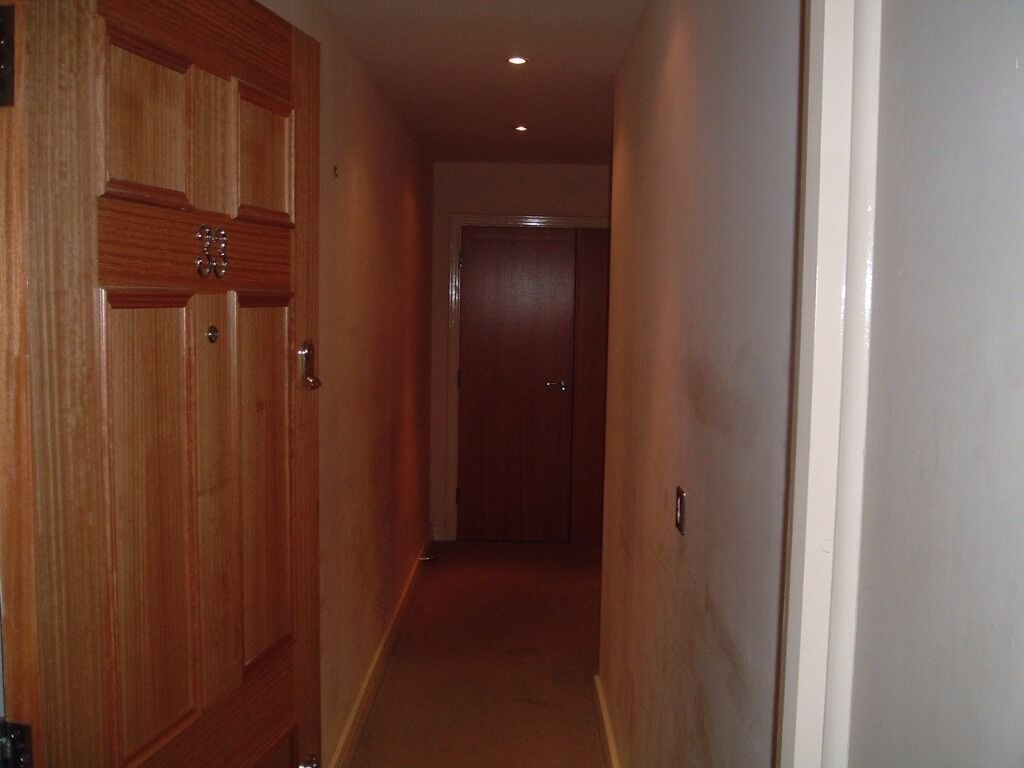 1 bed apartment rapheal house ilford ( all bills included)