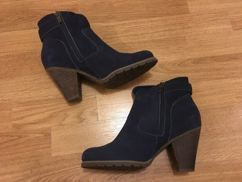 d24b3945a34e Hush puppies boots 39 EU   6 UK blue suede