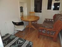 Newport Road, Roath, 2 Bed Flat, £630 pcm, **Available Now**
