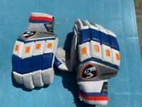 Cricket hand gloves SG litevate for boys