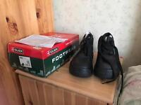 Click footwear size 4 men's