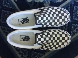 Vans Black and White Chequer Size 7
