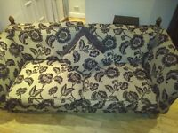 Parker knoll 3 seater sofa and 1 chair in excellent condition comes with matching cushions