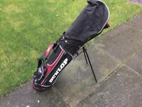 SET OF 5 GOLF CLUBS AND DUNLOP BAG
