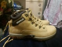 Mens caterpillar boots, new,size 8