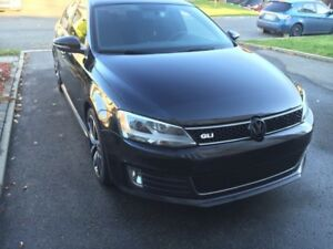 volkswagen gli 2012  Noir 110000 excellent condition