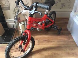 Children's bike with stabilizers