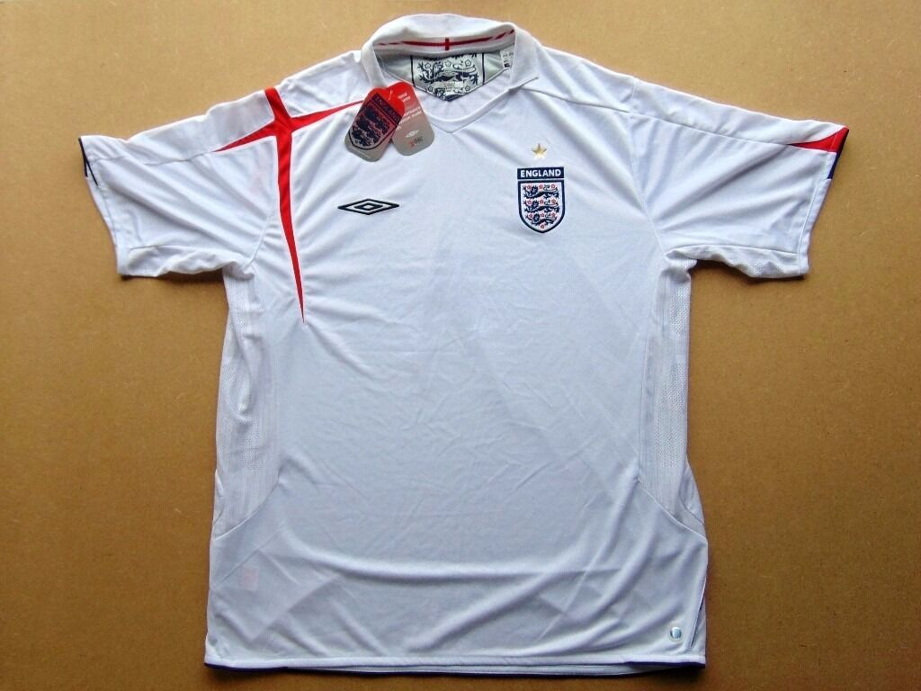 England Football Shirt (XXL) Home 2005 2007 (Brand New With Tabsin Bathgate, West LothianGumtree - For Sale A brand new (with tabs) England Football shirt. Size XXL. Lovely quality. Just £5 COLLECTION ONLY. I am in Stoneyburn, (Near Bathgate) West Lothian, Scotland