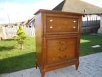 Large 5 draw chest of drawers
