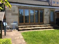Spacious living area close to centre of Bath, bedroom and en-suite shower. Bills included.