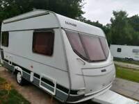 Lunar chateau 450 2002 4 berth caravan outstanding condition no damp awning