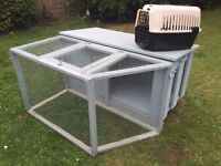 Lovely large rabbit hutch - Good Condition