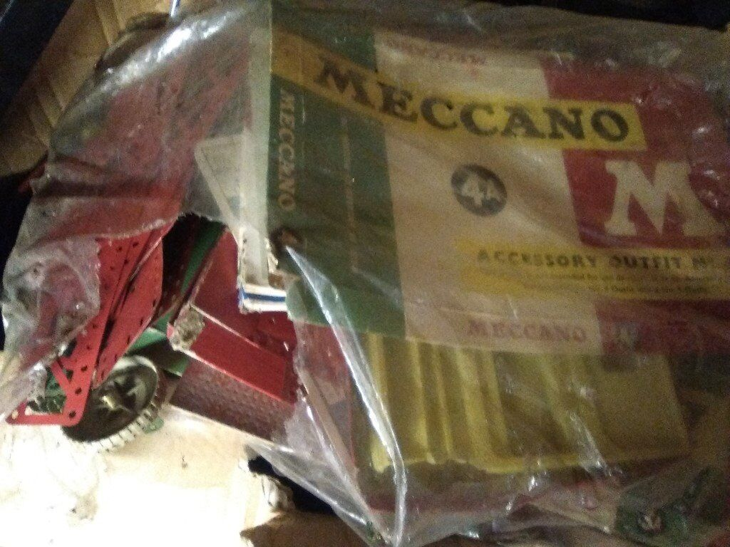 VARIOUS KITS (3 SETS) OF VINTAGE MECCANO MECANNO ENGINEERING TOYSin Rugby, WarwickshireGumtree - AN ARRAY OF MAGICAL ENGINEERING STUFF, BY WAY OF 3 KITS OF MECCANO DEVELOP YOUR YOUTH OR YOUR CHILDS IMAGINATION
