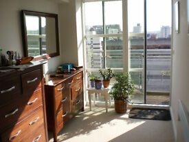 2 Bed Executive Apartment, The Quadrangle, with 2 car parking spaces