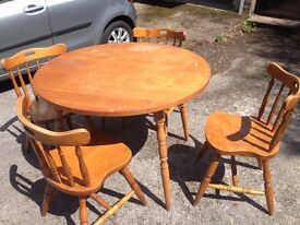 FARMHOUSE TABLE & 4 CHAIRS - ROUND
