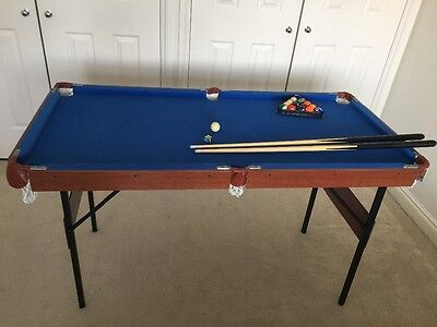 2 in 1 Snooker/Pool Table 4ft 6inch in excellent condition