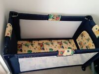 Baby travel cot in very good condition