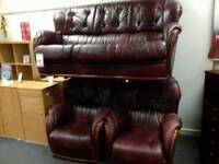 Amazing burgundy leather suite
