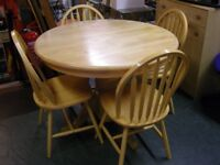 Light Hardwood Extending Dining Table and 4 Chairs. Great Condition