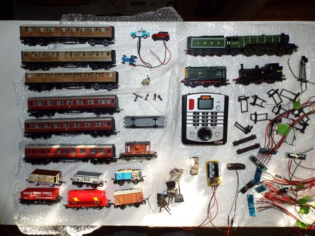 00 Gauge Hornby Dcc Model Railway Train Set With Trains In Wiring As Well Layouts On
