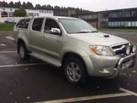 TOYOTA HILUX INVINCIBLE 3.0 D4D Automatic px welcome