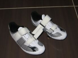 Road bike shoes Diadora size 41 with 3 bolt cleat fitting
