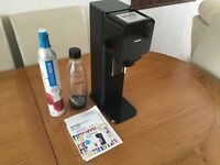 Sodastream Play sparkling water maker