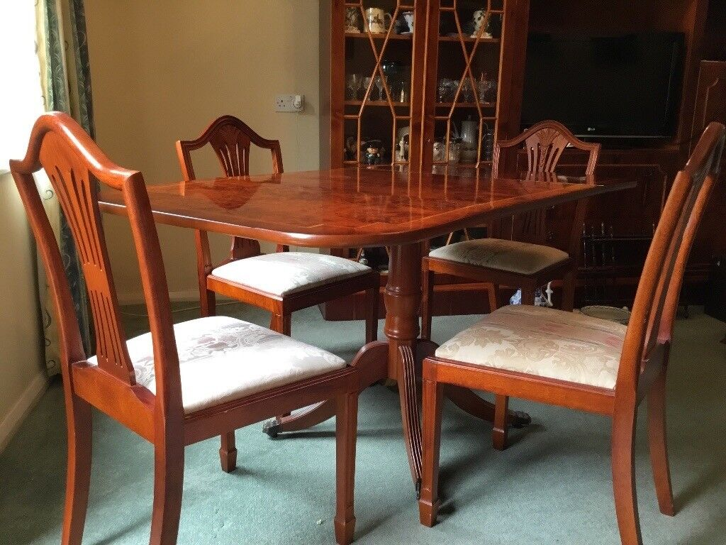Fold Out Yew Dining Table 4 Matching Chairs