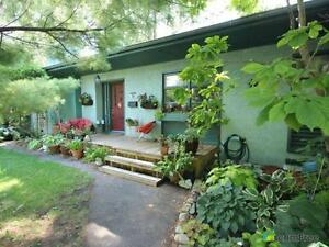 $690,000 - Bungalow for sale in Ottawa