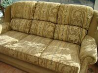 SETTEE PLUS ONE CHAIR IN A BEIGE/GOLD FABRIC INCLUDING PLUMBS LOOSE COVERS