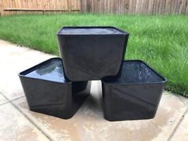 3 plastic storage boxes