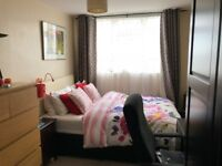 2 bedrooms in a 3 bed flat in Gardner Close, London (E11) - Flatshare