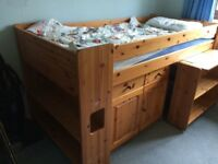 Stompa cabin bed