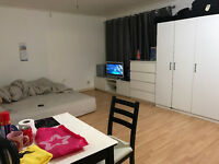 Double Bed Room/Signle Room/3 Bedrooms flat shared or whole flat for rent