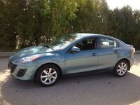 2010 Mazda 3 - FULLY LOADED      MP3  Bluetooth  6 CD Changer...