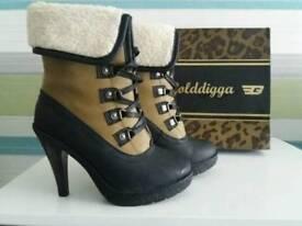 Golddigga BRAND NEW high heels boots size 5