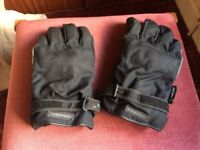 Insulated armoured bike gloves - size large.