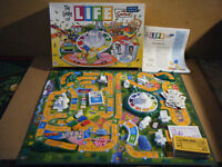 The Simpsons Edition (Game of Life). MB Games 2004. Very good and complete.