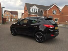 4x4 ix35, not a scratch or dent , Black tints , leather seats , glass roof , reverse camera .