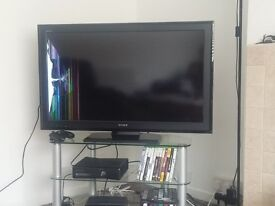Tv Sony Bravia with damage screen on one side
