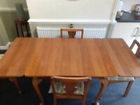 Extendable country kitchen dining table